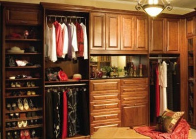 Traditional Walk In Closet